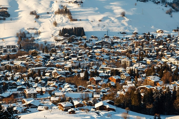 popular places to ski in France