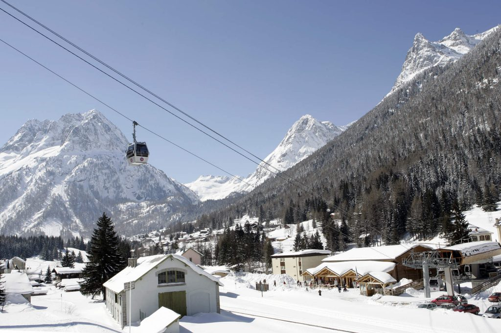 Vallorcine village in winter
