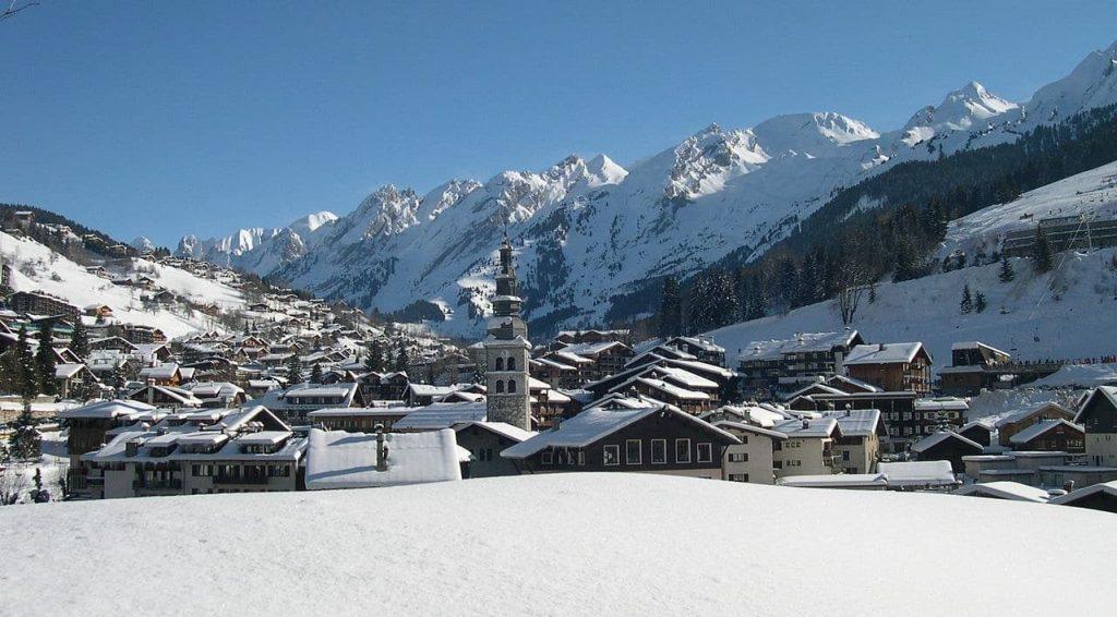 Where to Buy a Ski Chalet: La Clusaz